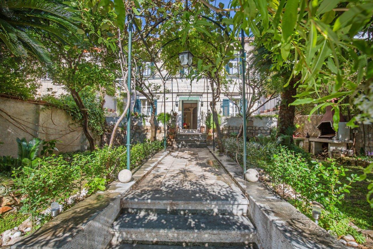 heritage_villa_west_gate32