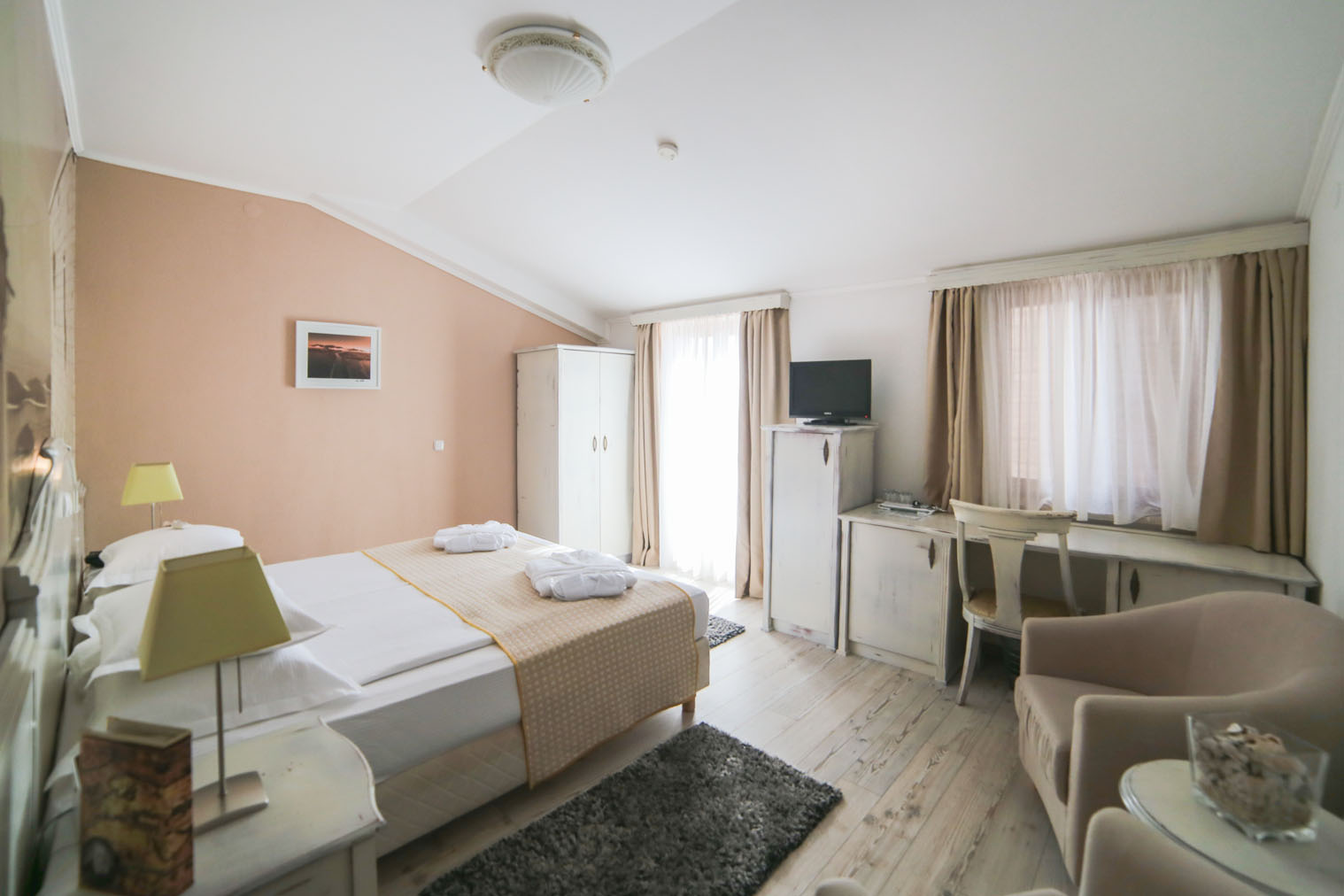 mini suite1