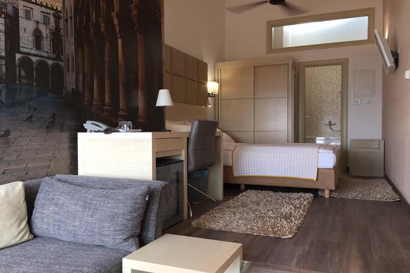 mini suite9